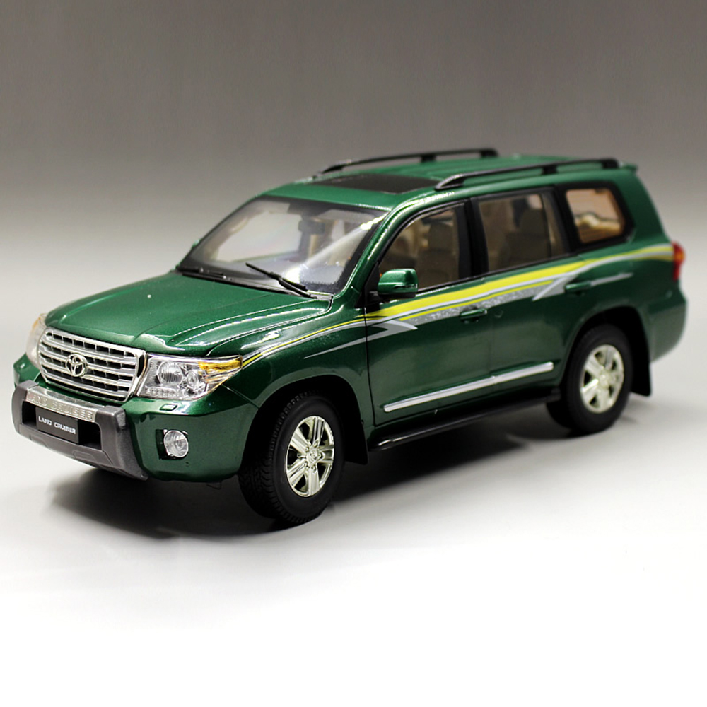 Green Color 1:18 Scale Toyota Land Cruiser LC200 Diecast SUV Car Model Toys For Gifts Collection Free Shipping