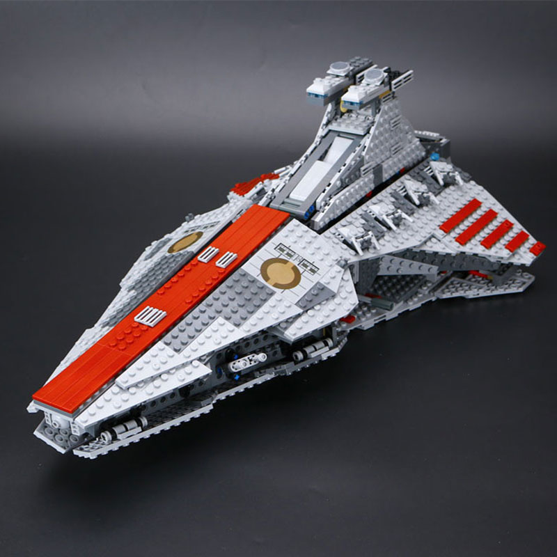 Lepin 05042 Star Series War Republic set Fighting Cruiser Set Building Blocks Bricks Educational Funny Gifts Toys 8039 ACTUALS lepin 6125 stucke star classic modell wars die ucs st04 republic cruiser educational building blocks bricks spielzeug mode