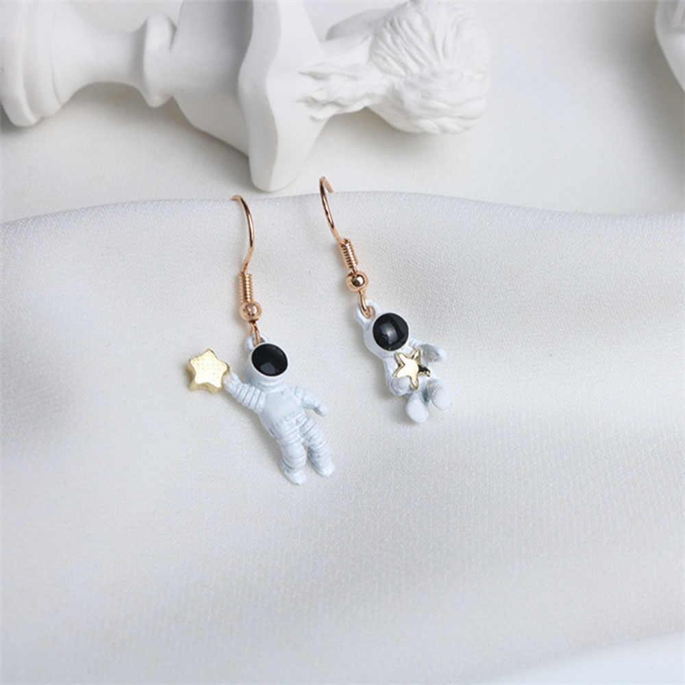 Kreatif Wanita Anting-Anting Asimetris Pentagram Anting-Anting Fashion Wanita Anting-Anting Ruang Astronot Kecil Anting-Anting Drop