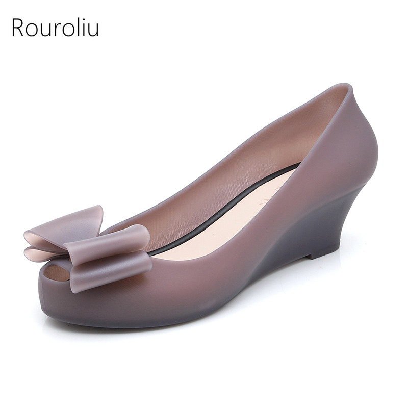 Rouroliu Women Wedges Jelly Shoes Bowknot Peep Toe Shallow Casual Pumps Woman Comfortable Waterproof Beach Shoes FR76