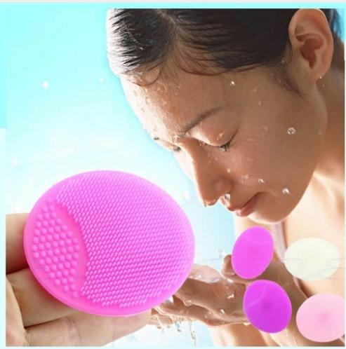 2018 HOT SALE Facial cleansing brush 1pcs makeup sponge silicone wash pad face exfoliating blackhead