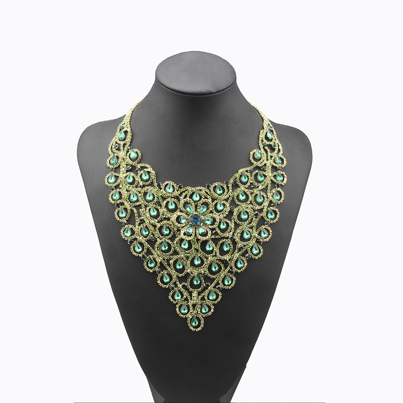 YFJEWENew Arrival Top Quality Water Drop Zinc Alloy Austrian Crystal Necklace/Drop Earrings Jewelry Sets Dress Accessories N115 artificial crystal geometric water drop necklace