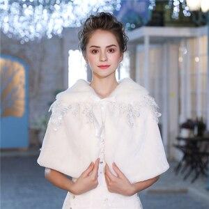 Image 2 - Mode Vrouwen Warm Wrap Faux Fur Korte Cape Bridal Wedding Bruidsmeisjes Cover Up Winter Jas Lace Up Schouderophalen Handgemaakte