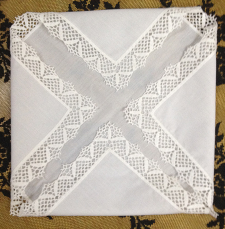 Set Of 12 Fashion Ladies Handkerchiefs White Cotton Wedding Hankies Embroidered Lace Edges Hanky For Bridal Gifts 12