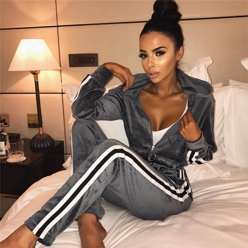 Classic Stripes Set Velvet Women Sporting Suit 2018 Autumn Long Sleeve Sweat Suits Tracksuit Sweatshirt Two Piece Trousers Women