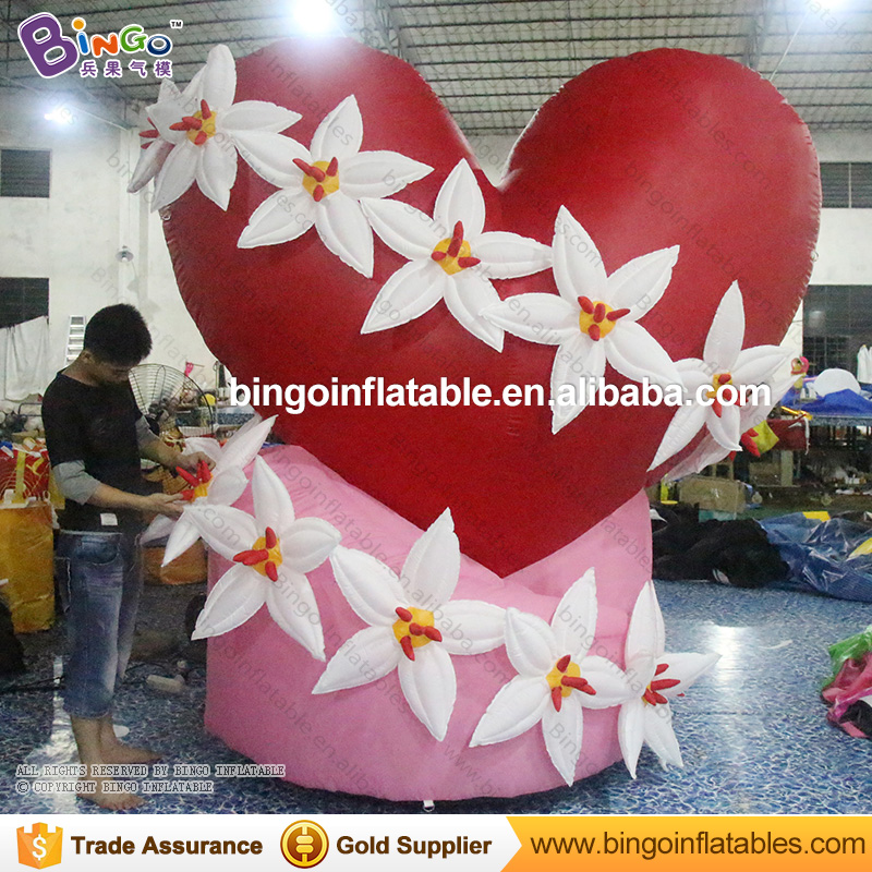 India most popular wedding decoration inflatable red heart with flower chain wraped for Valentine's Day/wedding BG-A0785 toy heart shape inflatable lamp post inflatable lighting decoration for wedding n valentine s day celebration light up toy