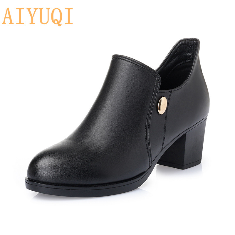 2020 New Women Dress Pumps Fashion Genuine leather women shoes Square Heels Shoes Woman chaussure femme Pointed Toe Boots