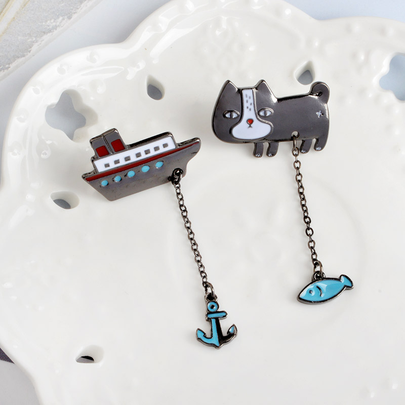 Cute-Cartoon-Cat-Kitten-Fish-Sailing-Boat-Metal-Brooch-Pins-with-Chain-DIY-Button-Pin-Denim(2)