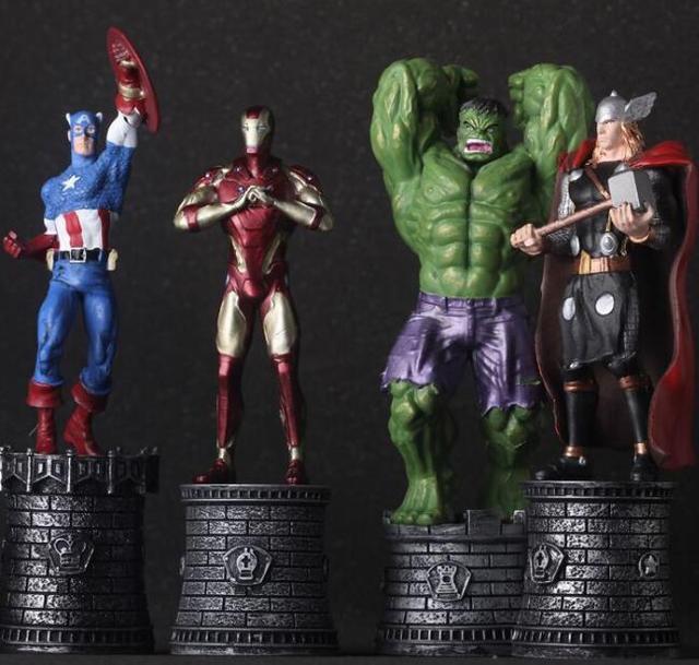 NEW hot 13 cm Vingadores Homem de ferro Hulk Thor Capitão América Spiderman coletores brinquedos action figure boneca de presente de Natal