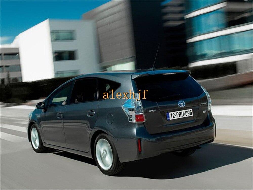 Toyota-Prius_Plus_2013-1
