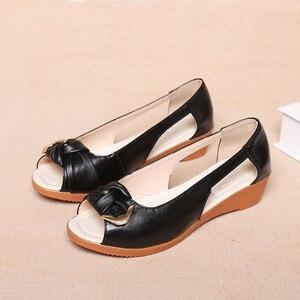 Image 4 - Женские босоножки из натуральной кожи GKTINOO, однотонные повседневные Летние босоножки на плоской подошве, винтажные сандалии, большие размеры