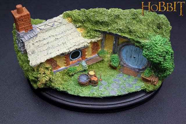 The Hobbit model Bathilda 35 desk ornament