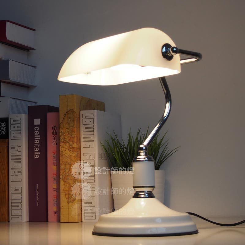 A1 Designer lamp table Lamps creative European bedroom bed decoration American retro bank desk lamp Jiang Jieshi desk lamp american study desk lamp of bedroom the head of a bed european style living room hh creative fashion retro robot reading lamp