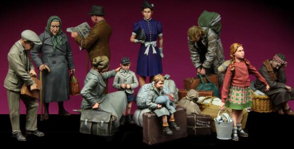 1/35 Resin Figure WWII Resting Ukrainian Civilian Big Set Model Kits