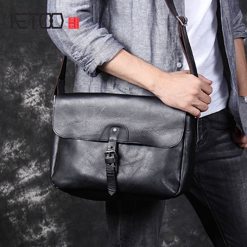 AETOO Leather retro personality Shoulder oblique strap Bao Nan Hand foreman layer Cowhide Postman bag simple Casual commuter bagAETOO Leather retro personality Shoulder oblique strap Bao Nan Hand foreman layer Cowhide Postman bag simple Casual commuter bag