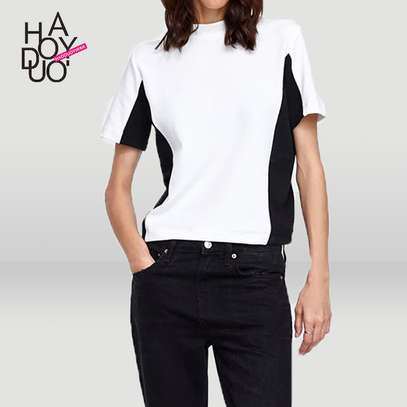 Simple Wind Commuter Side Sewing Black-and-White Colour Stitching Top Fashion T-shirt with Round Neck