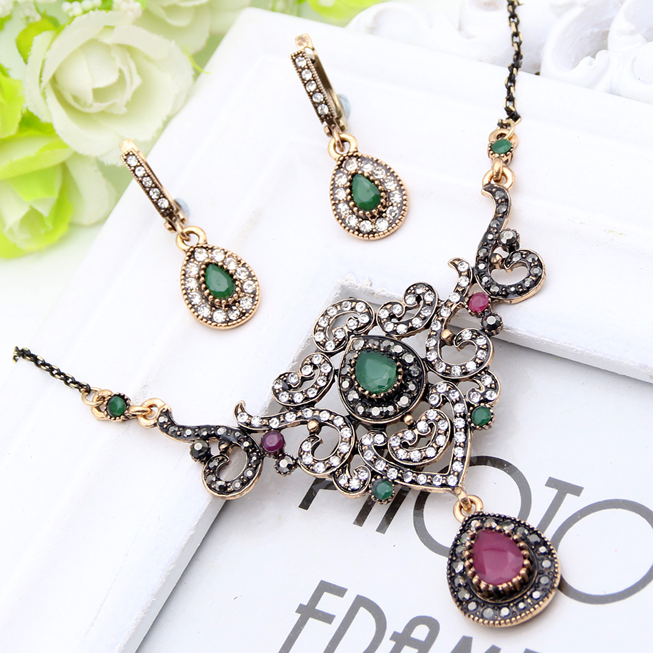 Hot Sale Jewelry Sets Turkish Antique Gold Plated Hollow Out Heart Shape Necklace&Earrings Women Dress Engagement Party Bijoux
