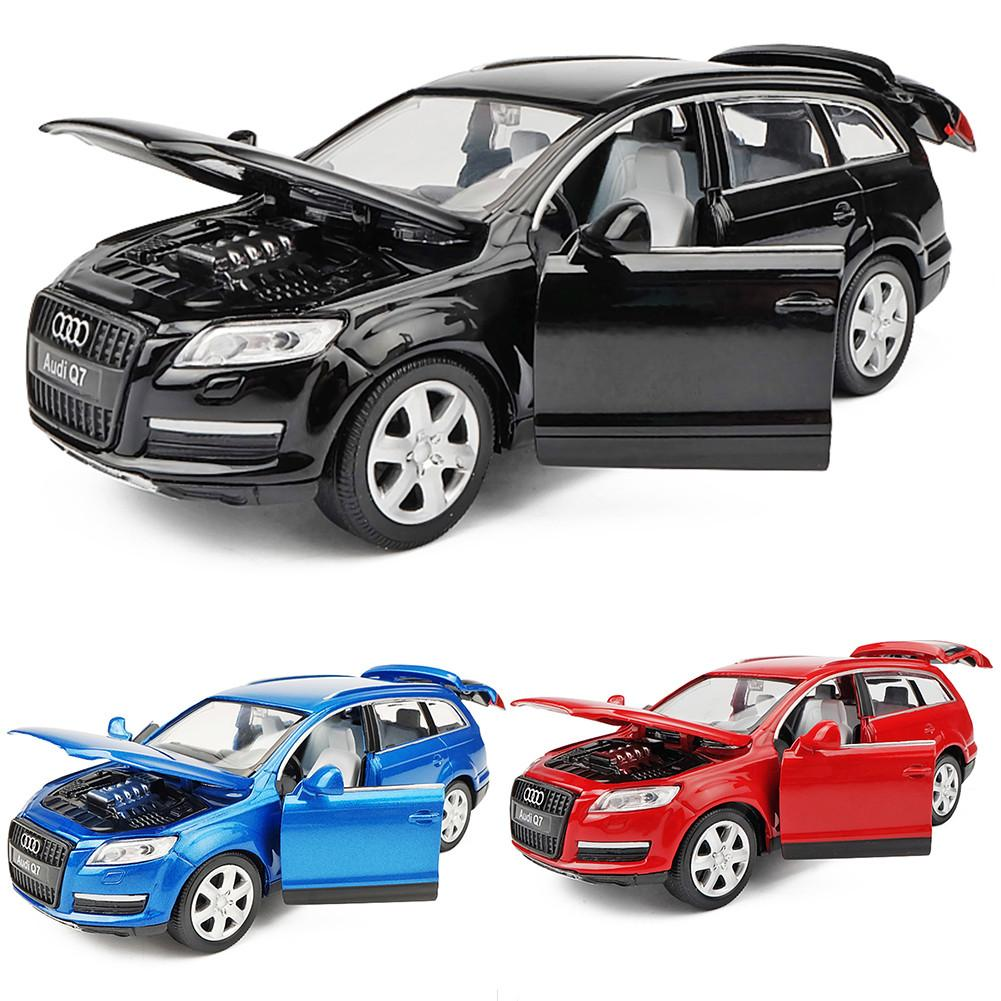 Mini Audi Q7 1:32 Alloy Model 3 colors Acousto-optic Pull-back Toy Car Gift For Kids image