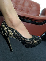 New Fashion New Design Top Quality Lace Upper Women High Heel Shoes Fretwork Peep Toe Fashion Lady Party Shoes Sexy Black Pumps
