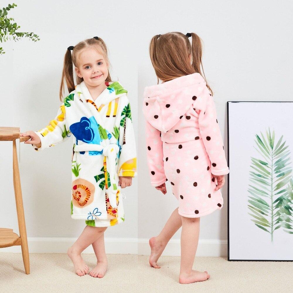 Autumn Winter Children Bathrobes Cartoon Kids Robes Flannel Child Boys Girls Robes Cute Hooded Pajamas for Baby Boy Bath Robe