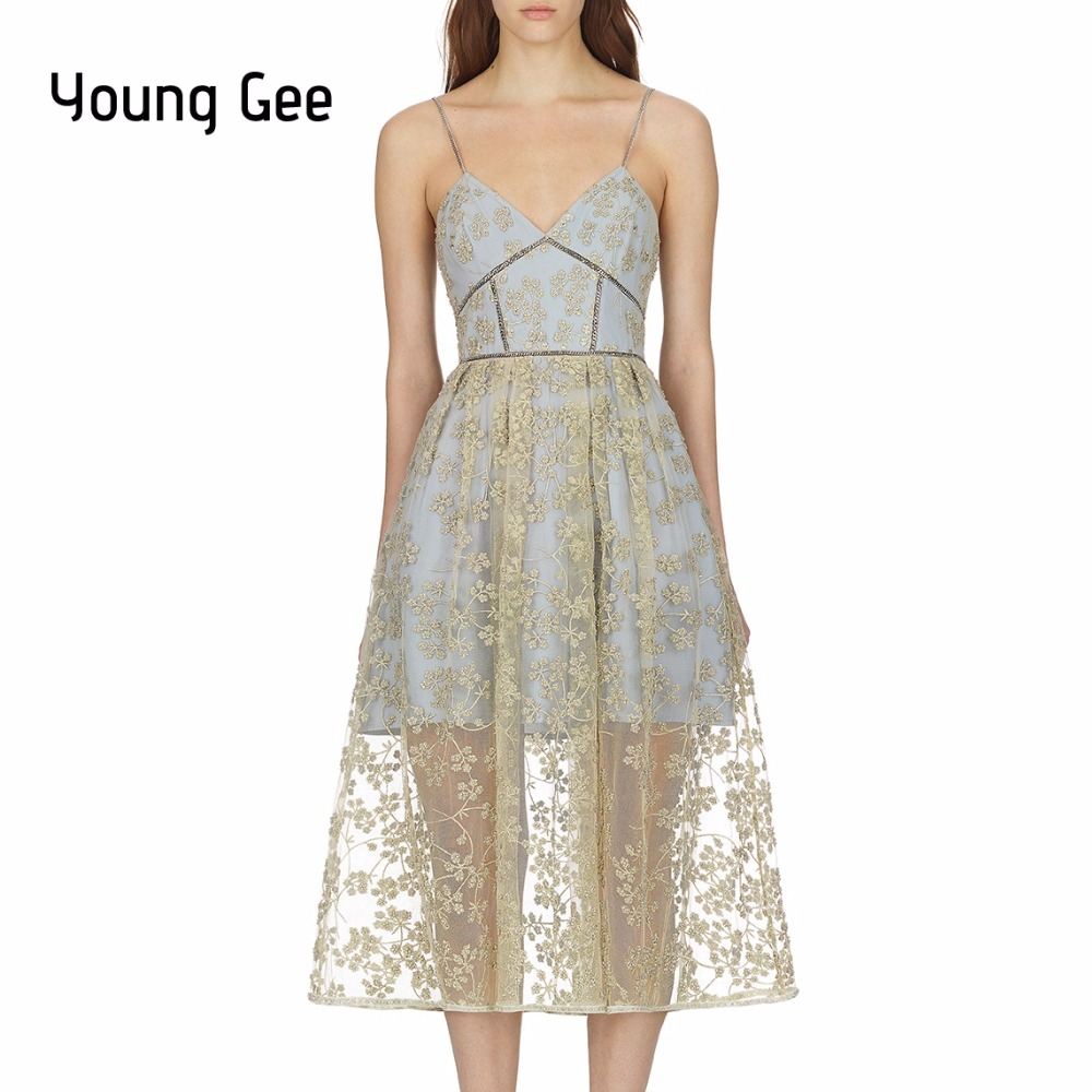 YoungGee 2019 dentelle Floral broderie maille superposition robe de piste Spaghetti sangle avec chaîne profonde Sexy col en v robes d'été