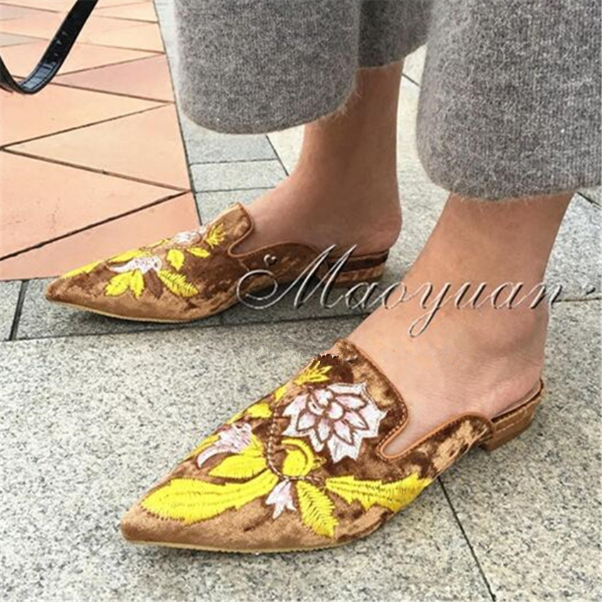 Fashion Embroidered Pleuche Women Pointed Toe Flat Shoes Casual Shoes Woman Vintage Style Women Slippers Flats Zapatos Mujer