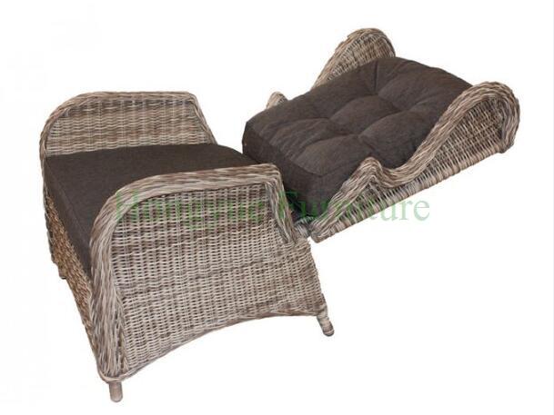 Rattan poltrona reclinabile con sgabello e cuscini in rattan