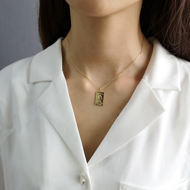 925 sterling silver Queen Elizabeth pendants necklace square card gold temperame
