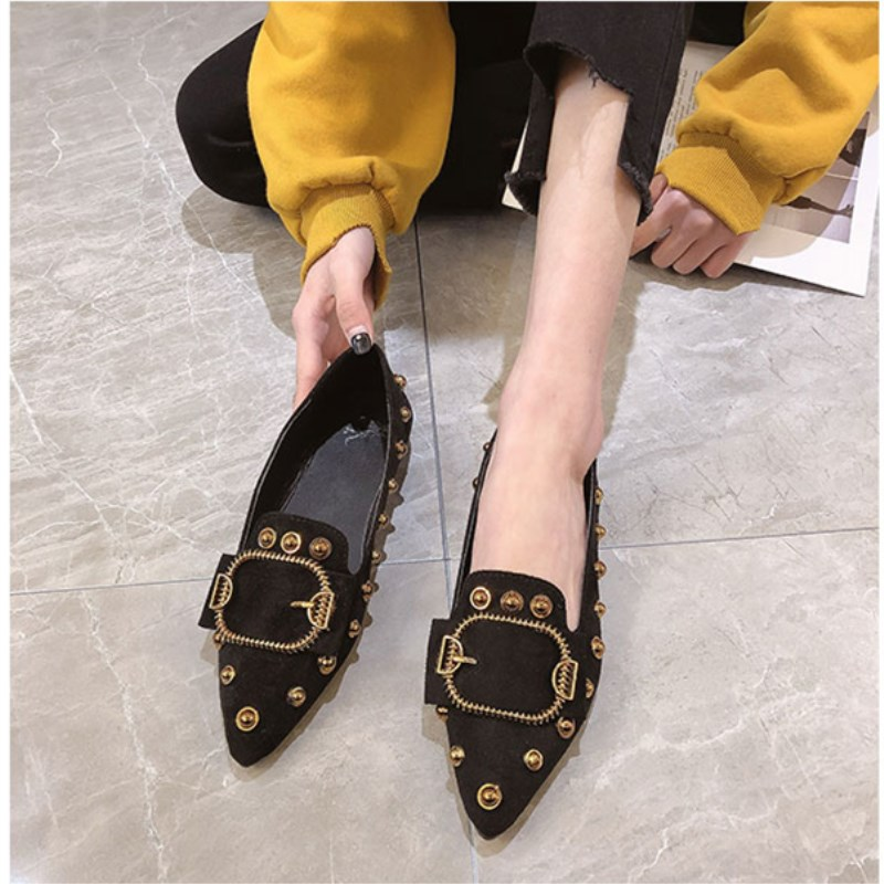 Women single shoes female Brand 2019 spring new pointed Ladies fashion wild rivets shallow mouth black high quality work shoe 2