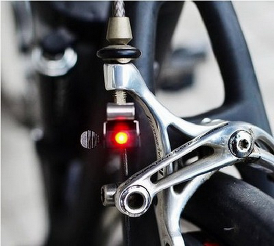 by dhl or fedex 200pcs Bicycle Brake Lights LED Taillights Safety Warning Light Suitable For V