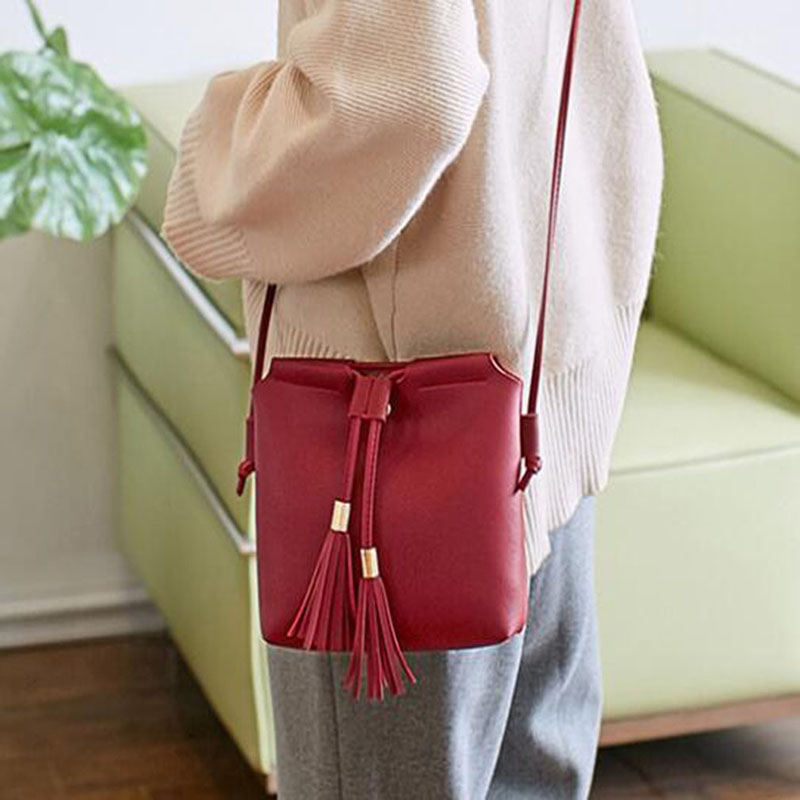 PU Leather Fashion Women Tassel Shoulder Bags Large Capacity Women Bags Solid Soft Portable Crossbody Bag 2019 New