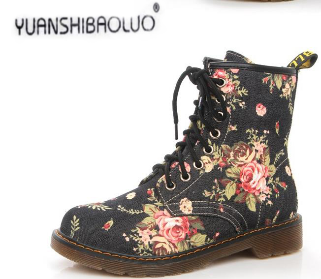 Hot Sales 100% Cowboy Fashion Handsome To Restore Ancient Ways Small Broken Flower Martin Boots With Short Boot