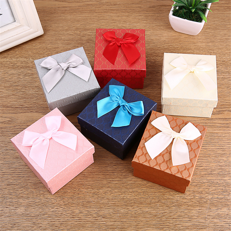 Doreen Box 9x8.5x5.5cm Paper Jewelry Box Watch Boxes Bowknot Fish Scale Pattern Gift Packing Display Multicolor Wholesale 1Piece