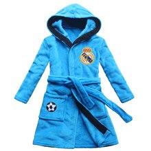 [FEETOO] Real Madrid Équipe De Football Emblème Brodé Garçon Peignoir Corail Velours Bleu Cap À Capuchon Maison de Robe Enfants chemise de nuit