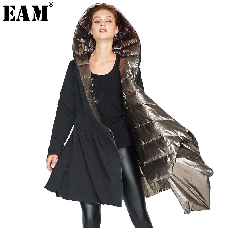 [EAM] 2018 Hiver Nouveau Mode Lâche Type Long Irrégulière Manteau Noir Or Les Deux Côtés Des Vêtements À Capuche Garder Au Chaud veste Femmes YA5390