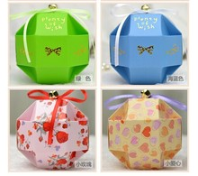 100 pieces New arrive 7CM paper Ball Candy Box Ribbon Bowknot Gift Crystal ball Wedding Favor Decoration with bell