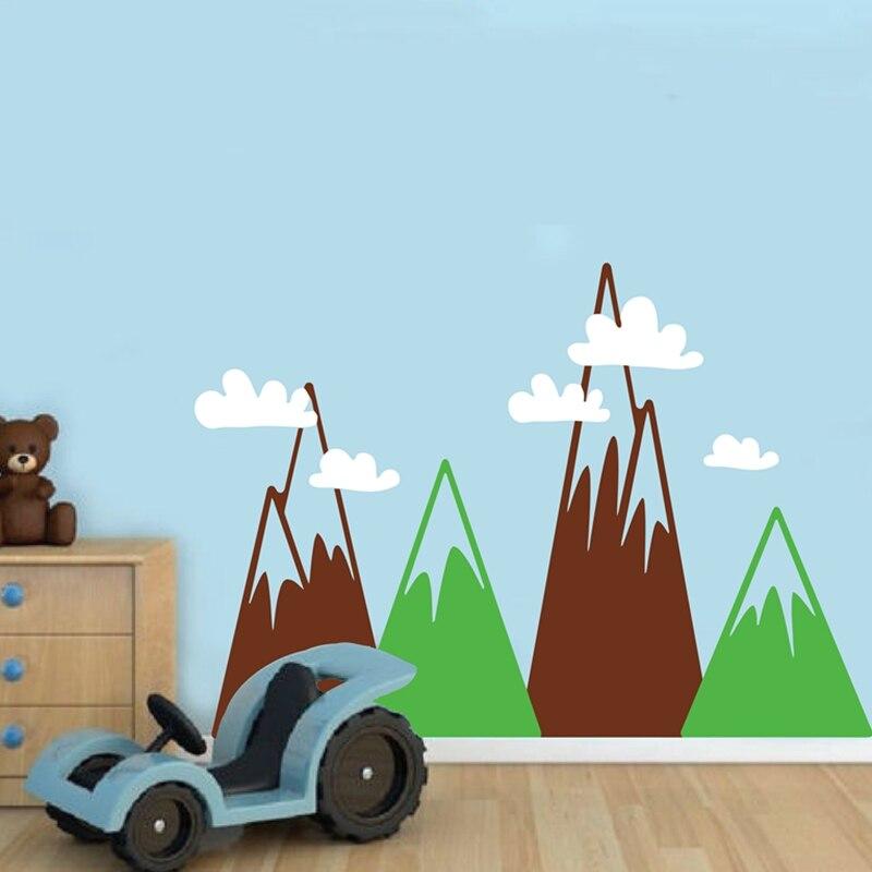 Sticker mural Triangle montagnes pour chambre d'enfants, montagnes de grande taille avec nuages papier peint en vinyle autocollant mural décor de pépinière