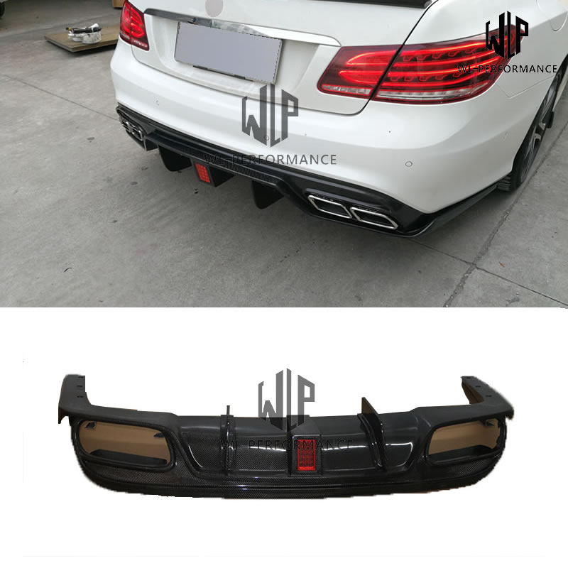 W207 Carben Fiber Rear Lip Diffuser With Lights Car Styling For Mercedes-Benz W207 Back Bumper Car Body Kit 2012-2014