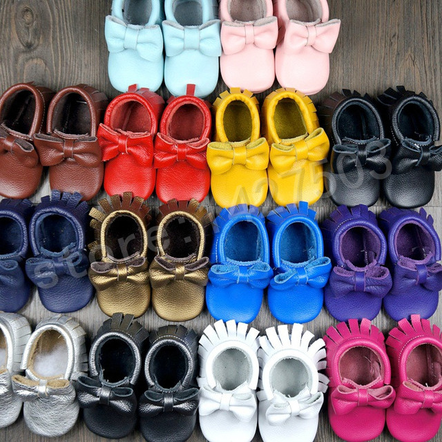 Venta caliente bebé recién nacido zapatos multicolores de color sólido arco mocasines de cuero genuino de la vaca hecha a mano del bebé infant toddler zapatos de bebé