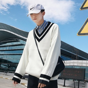 Image 4 - 2018 Autumn Winter New Mens Fashion Spliced V Collar Long Sleeve Knitted Pullovers Loose Casual Black/White Male Sweater M 2XL