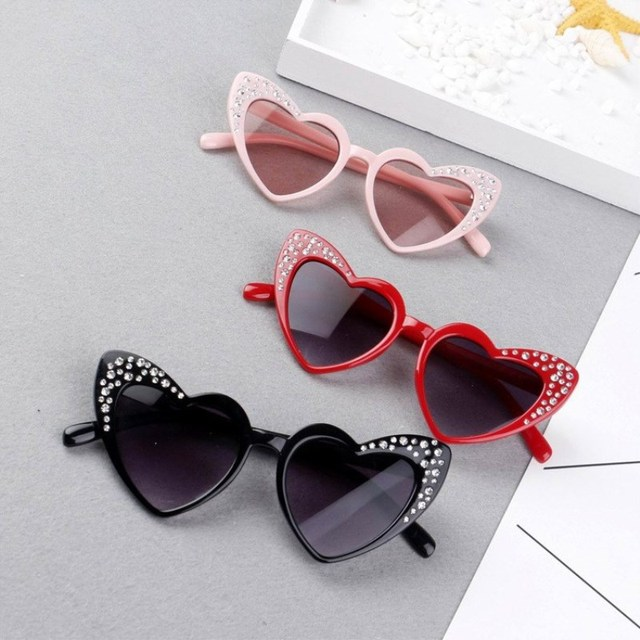 c401154272b KOTTDO 2018 New Children s Glasses Rrend Rhinestones Love Heart Sunglasses  for kids boys girls UV400 sports eyewear