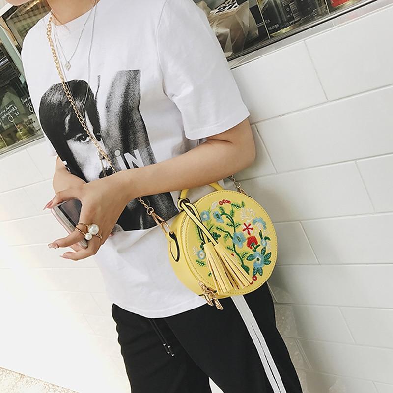 2017 Summer Women Flower Embroidery Messenger Bag Purses Tote Vintage Cute Crossbody Clutch Round Shoulder Bag Handbag