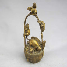 Exquisite Chinese Brass Handwork Carved Mouses Basket Sculpture