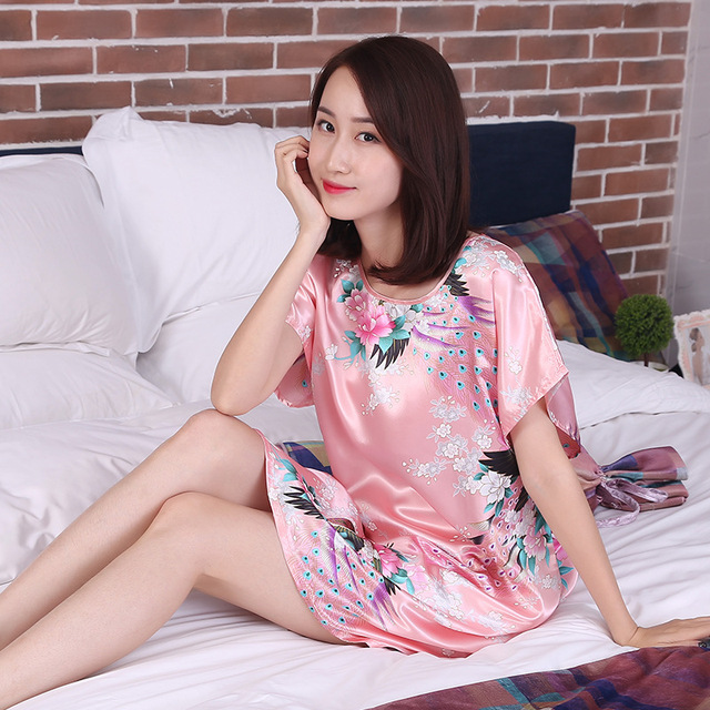 Hot sales 2017 women nightgowns Short sleeve Chinese flowers print  comfortable soft underwears sexy nightgown Peacock Sexy WQ278 e5ca5310d