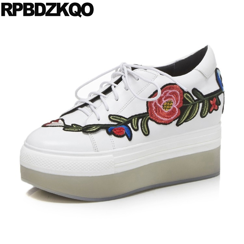 Thick Sole White Flats Flower Embroidered Elevator Muffin Applique Luxury Embroidery Women Creepers Platform Shoes Drop Shipping embroidered flower applique mesh sweetheart tee