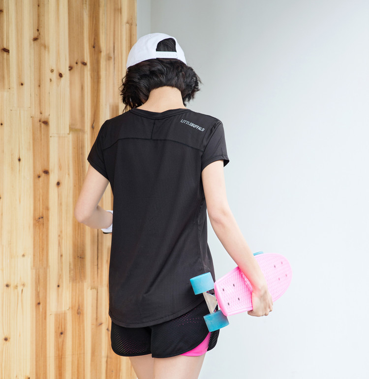 2018 new stock Breathable hollow short-sleeved fitness  quick-dry t-shirt