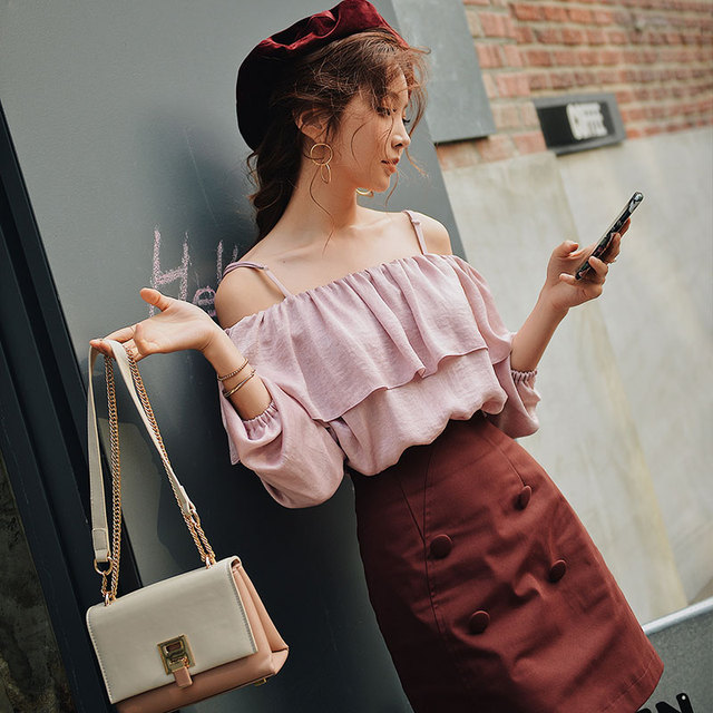Dabuwawa Spring New Sexy Off Shoulder Ruffles Blouses for Girls Woman 2019 Long Sleeve Pink Short Shirts Crop Top  DN1AST009