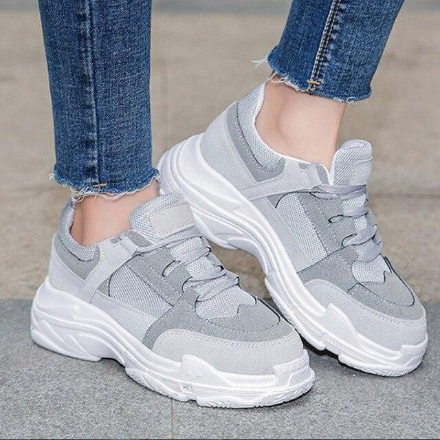 Женская обувь, Вулканизированная обувь, новинка 2018 года, осенняя повседневная обувь для женщин, замшевые кроссовки на платформе со шнуровкой, дышащая обувь на толстой мягкой подошве