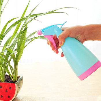 1 PC New Plant Flower Plastic Watering Pot Water Spray Bottle Garden Sprayer Planting Kettle for Garden Flower Plant Accessories 1