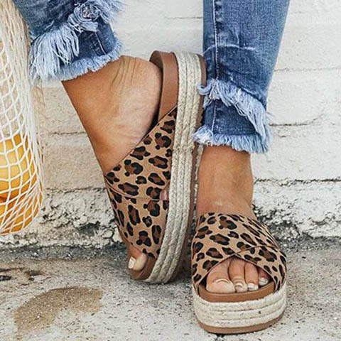Sexy Leopard Ladies Slippers Pu Leather Open Toe Platform Casual Shoes Women Slippers Summer Outdoor Beach Femme Pantoufle W-705Sexy Leopard Ladies Slippers Pu Leather Open Toe Platform Casual Shoes Women Slippers Summer Outdoor Beach Femme Pantoufle W-705